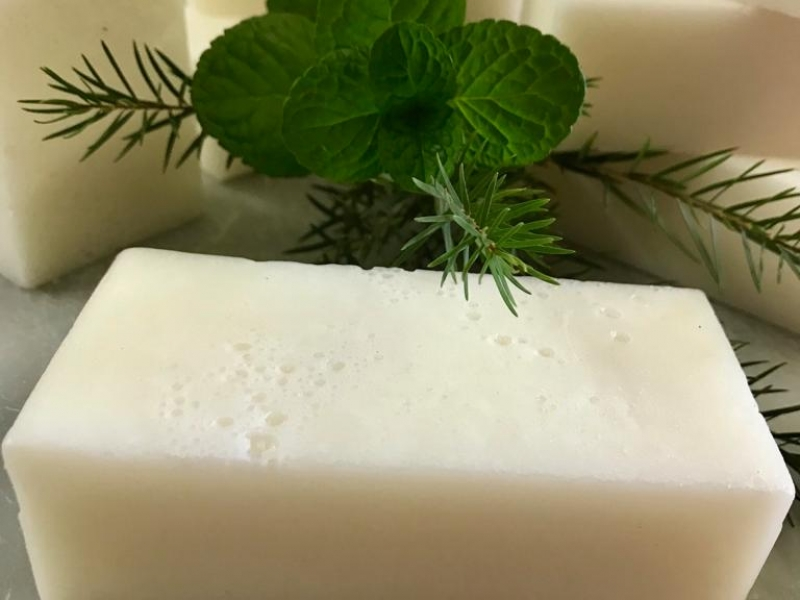 SOLID SHAMPOO BAR tea tree, peppermint and coconut oil 190-200g